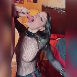 goth babe blowjob